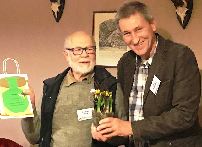 Ehrenvorsitzender Siegfried Lück und Vereinsvorsitzender Uwe Hüngsberg.